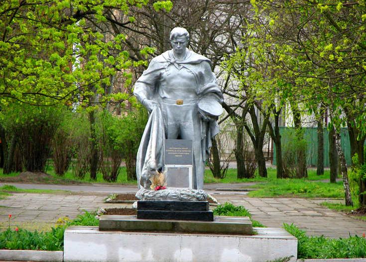 Памятник скорбящему матроcу в Очакове