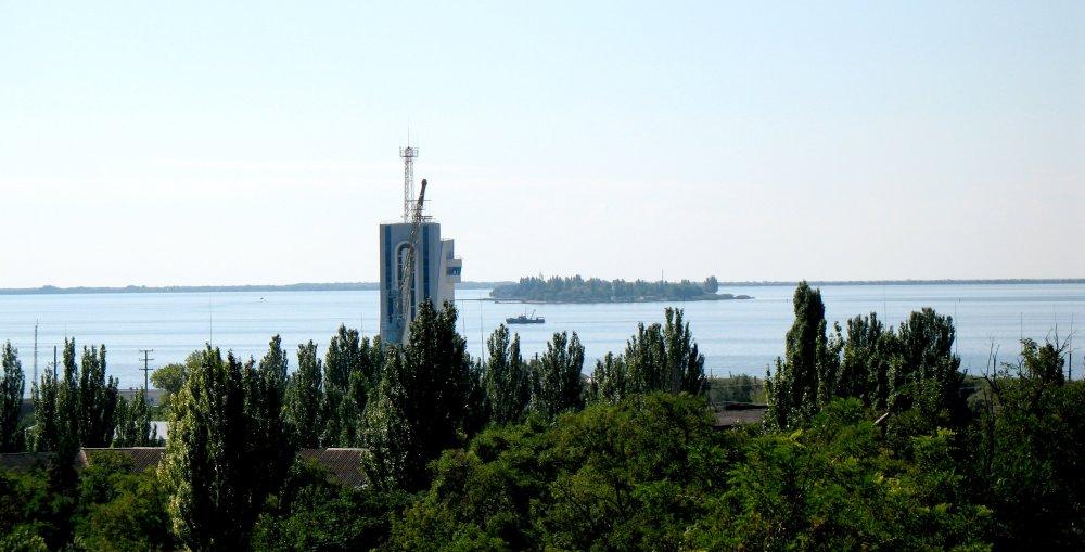 Вид на остров Майский (Первомайский)