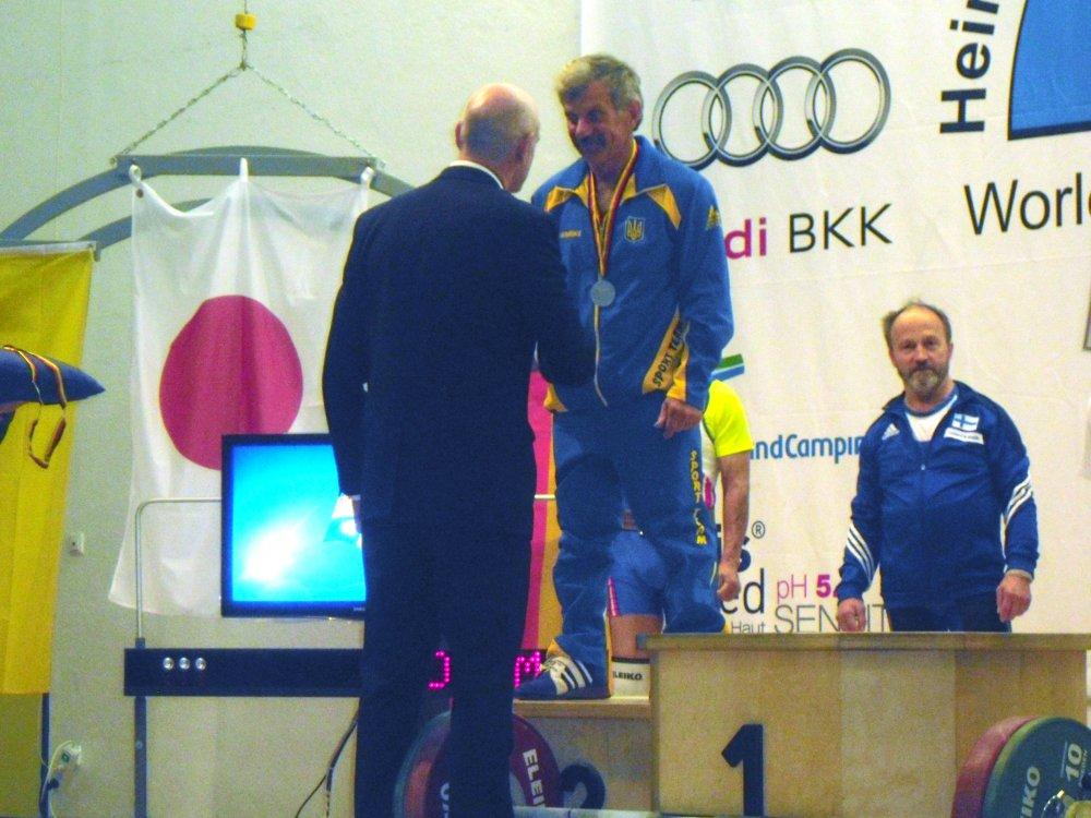 Награждение серебряной медалью Лагунова Юрия Ивановича