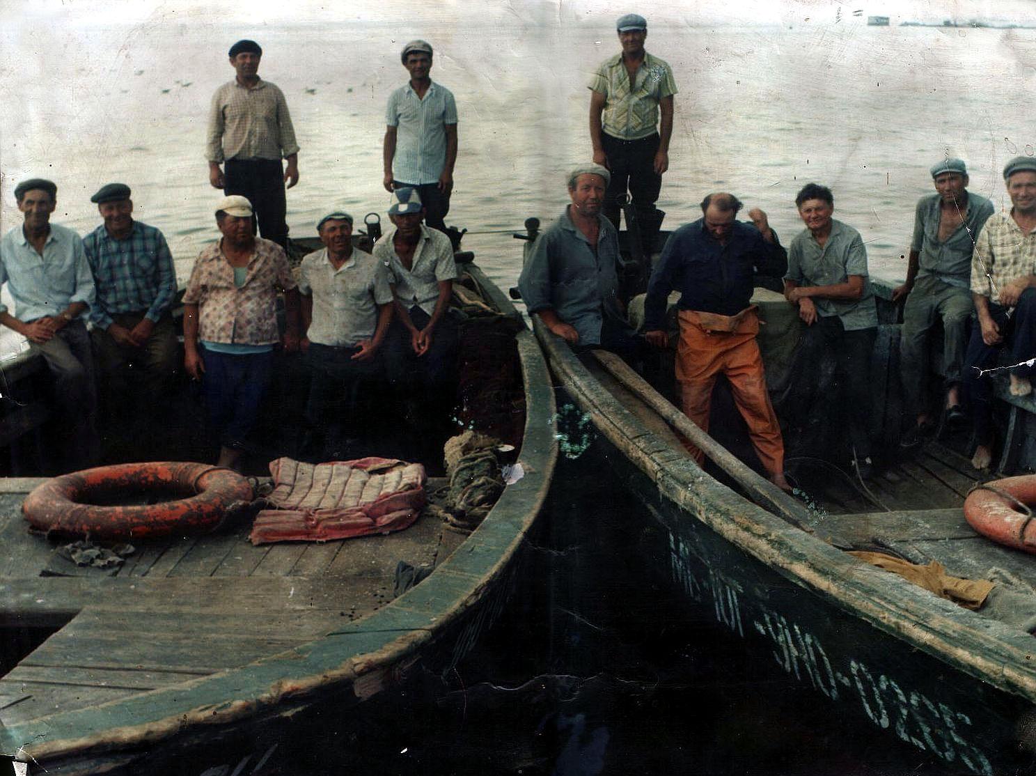 Очаковская рыболовецкая бригада на баркасах