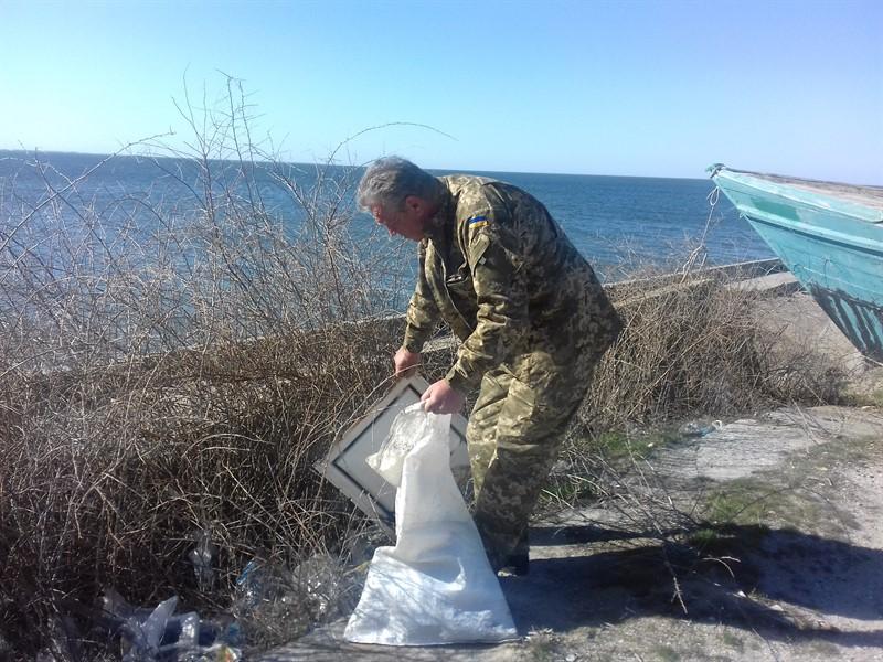 Очаков. Уборка прибрежной полосы Черного моря