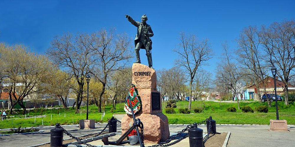 Памятник А.В. Суворову 2000.